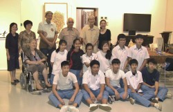 Group Photo - Visit to Artsafe by HIHS